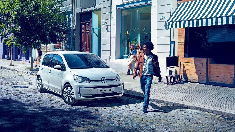 VOLKSWAGEN e-up! – 359€ al mese